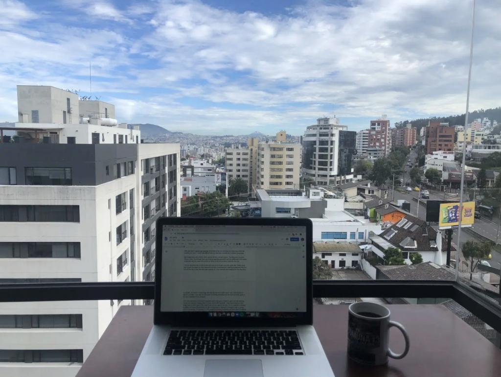 quito-apartment-view