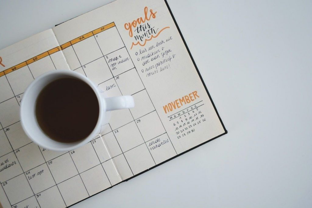 coffee-and-planner-best-online-business-to-start