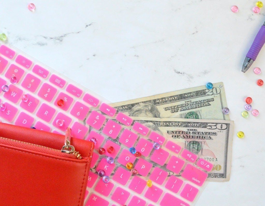 freelancing-is-cheap-to-start-keyboard-with-money